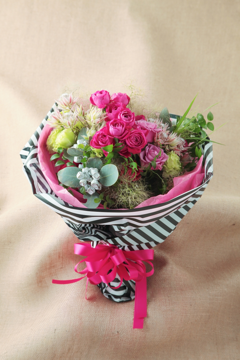 Gift bouquet less is more gift bouquet negle Images